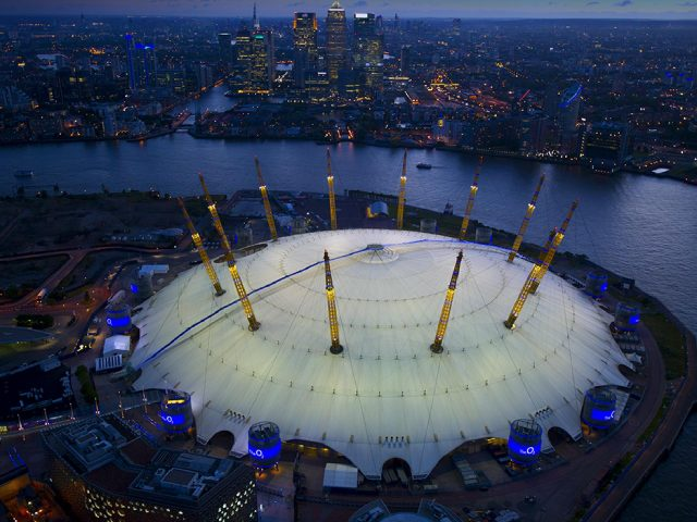 https://hertfordshiretiles.co.uk/wp-content/uploads/2021/03/the-o2-arena-project-640x480.jpg